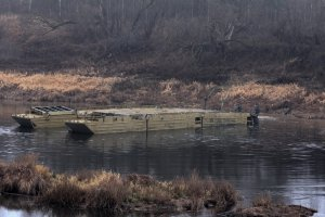 Работали по пояс в ледяной воде. Фото Северный